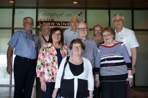 De gauche à droite : Yves Carrières, Micheline Langlois, Odette Lebert, Denise Blouin, Louis Bastien, Jean Pierre Archambault, Diane Foisy, Louise Desrochers et Maurice Boisclair